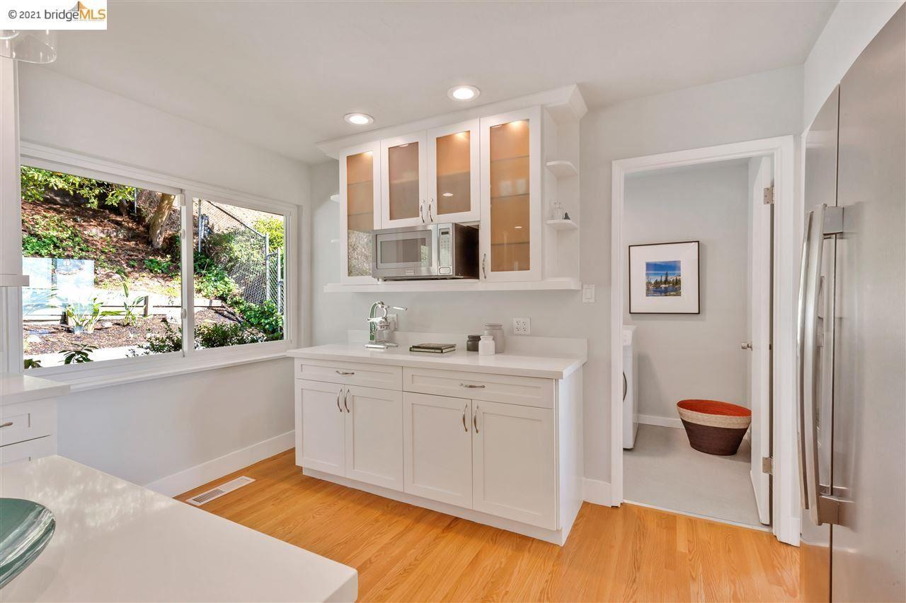 Designer-updated 3/2.5 MidCentury Ranch with Views photo