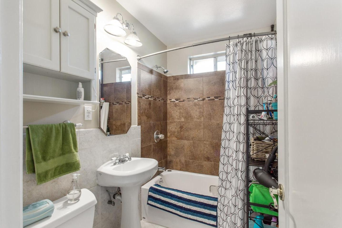 1814-1816 Woodside RD preview