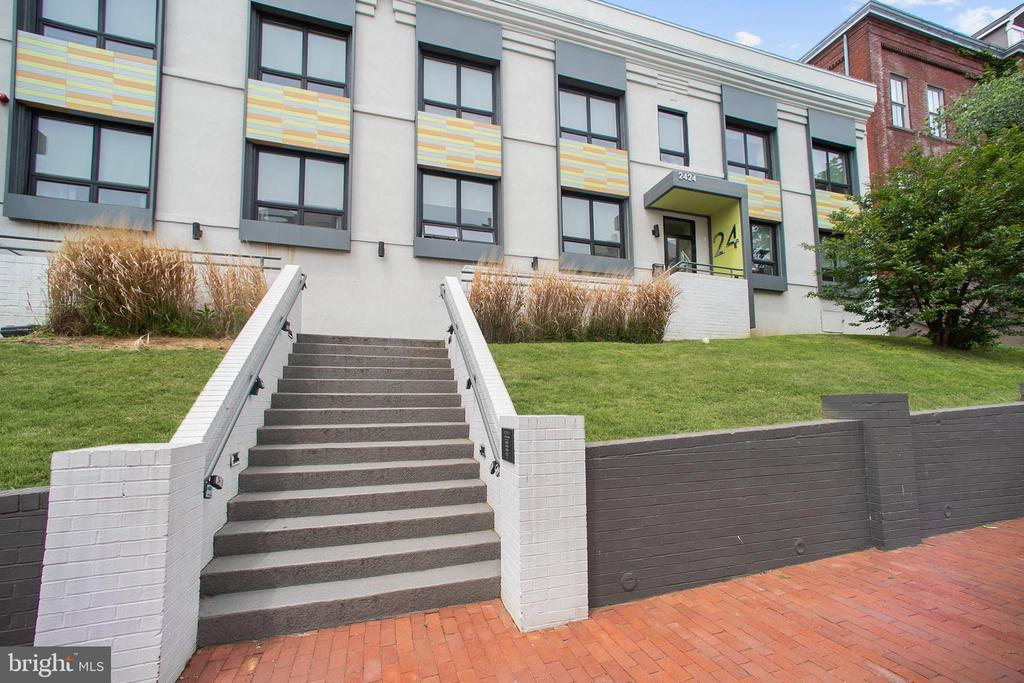 2424 17TH ST NW #206 photo