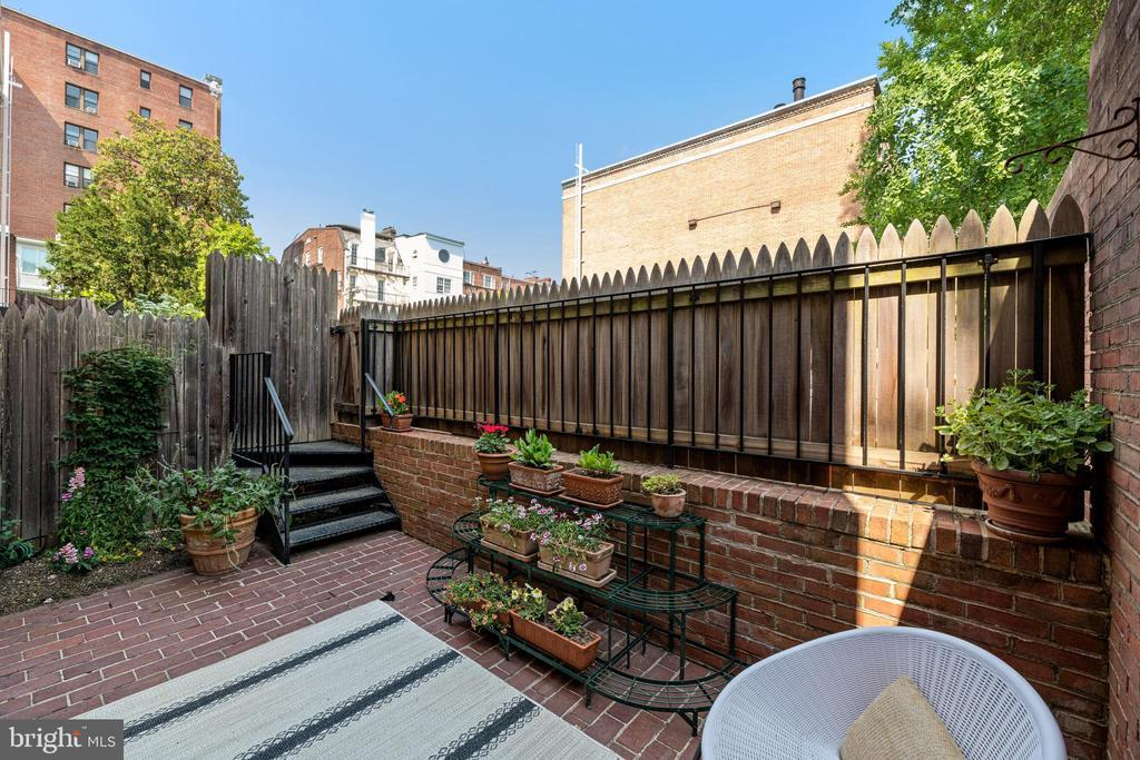 1623 19TH ST NW #33 photo