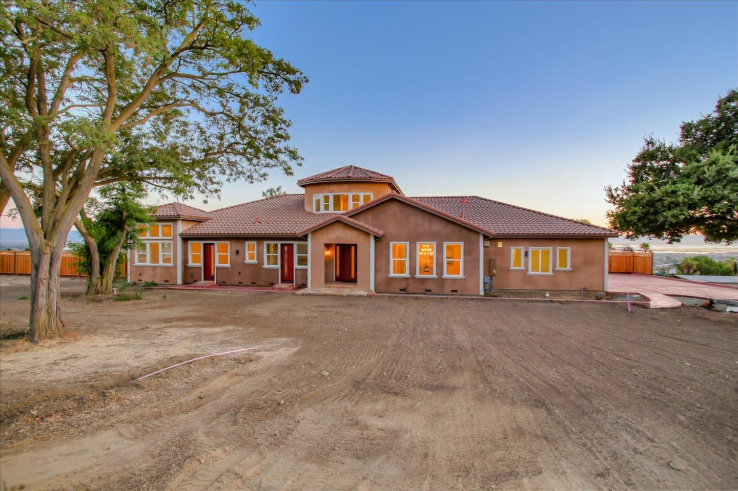1499 Countryside CT