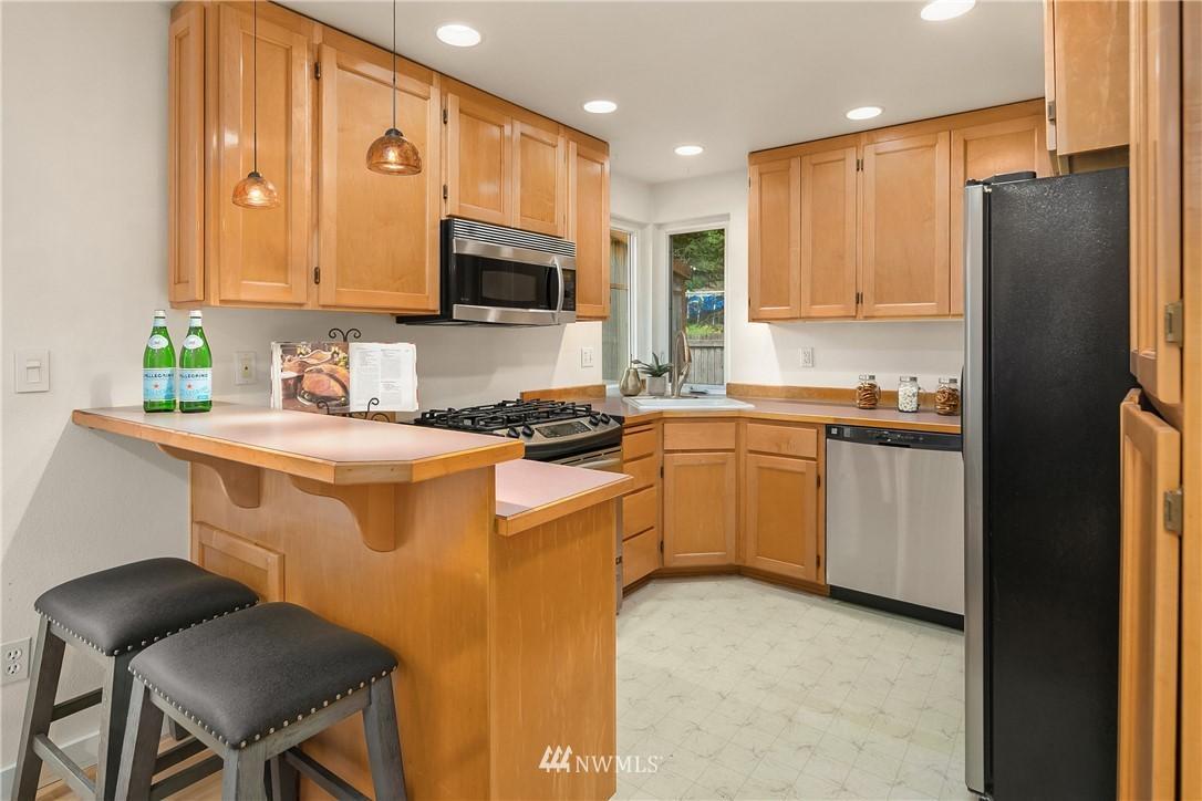 1003 216th Avenue NE photo