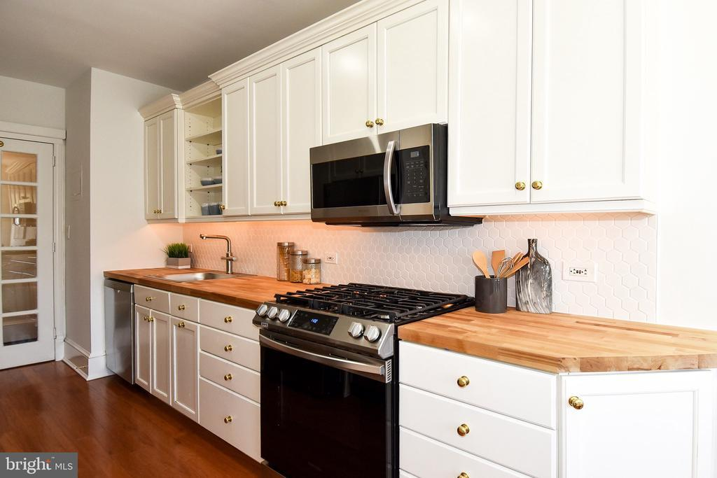 2801 NEW MEXICO AVE NW #609 photo