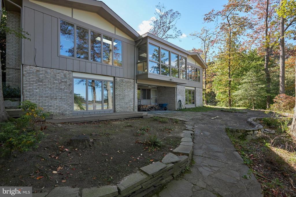 3000 CUNNINGHAM DR preview