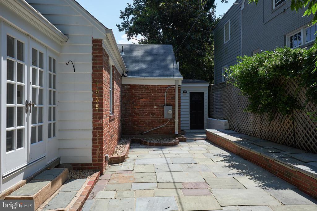 4628 SEDGWICK STREET NW photo