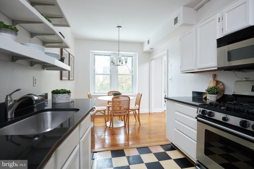 4707 CONNECTICUT AVE NW #212 photo