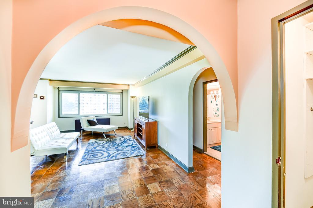 4201 CATHEDRAL AVENUE NW Unit: 816W photo