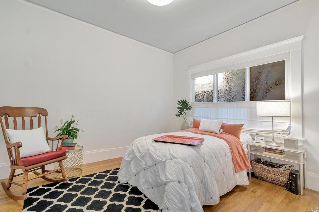 5434 Broadway preview