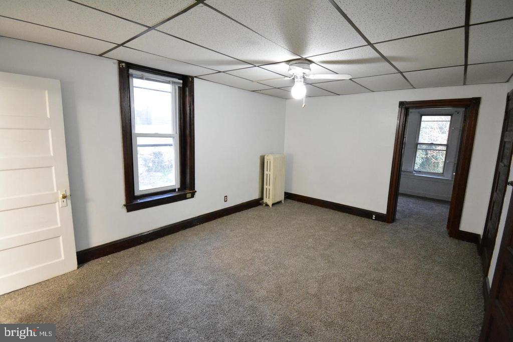 331 LYCEUM AVE #2 photo