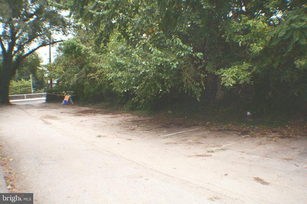 3411 CRESSON STREET Unit: 1 photo