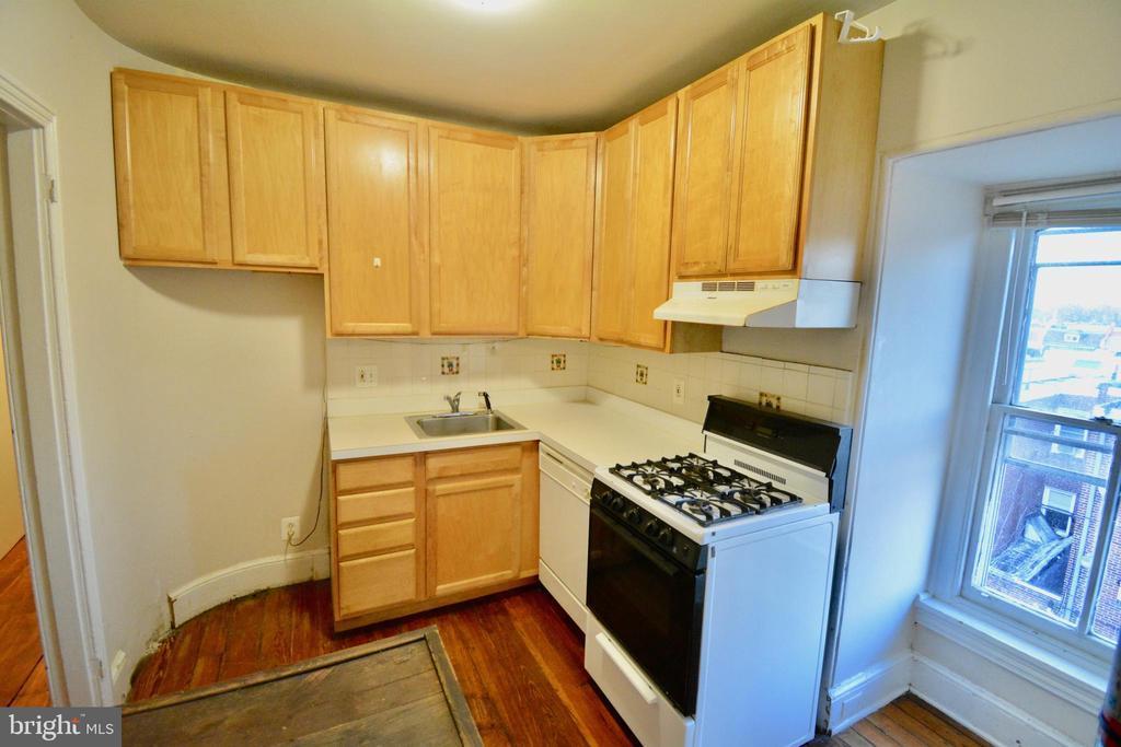 312 W SEYMOUR STREET Unit: 3 photo