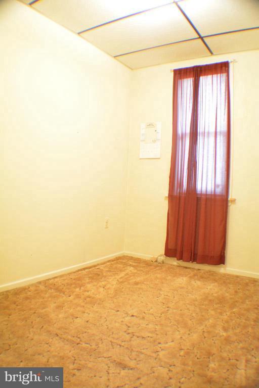 4147 LAURISTON STREET Unit: 1ST FLOOR photo