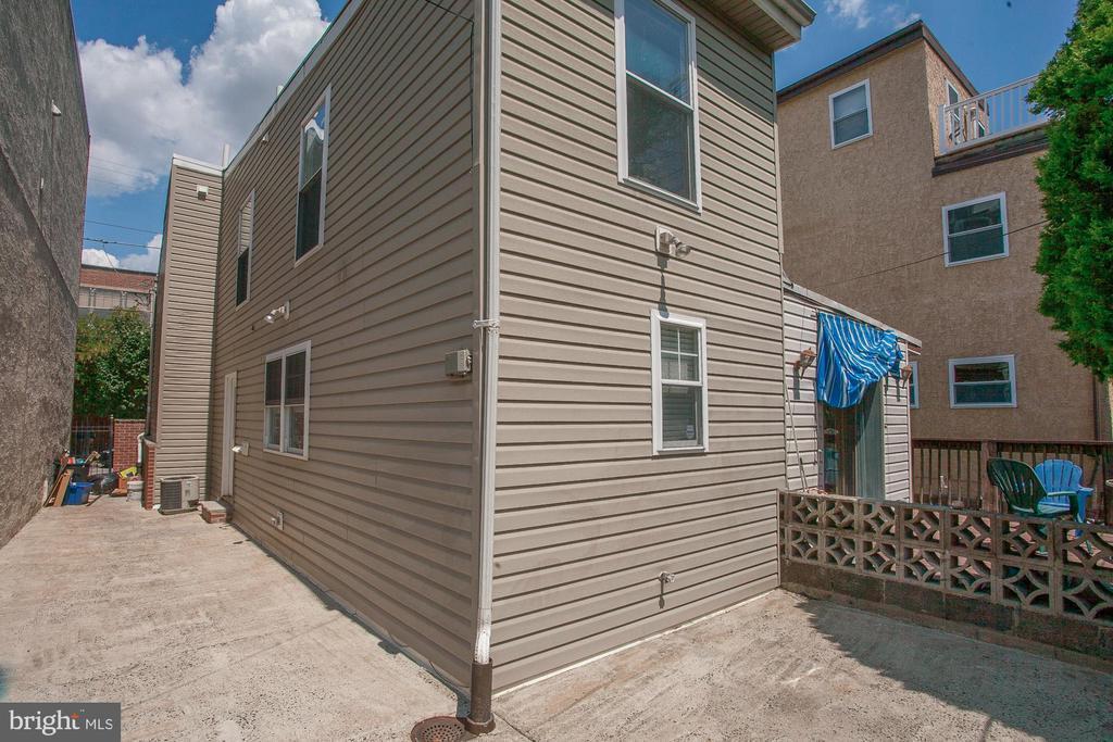 456 E THOMPSON STREET photo