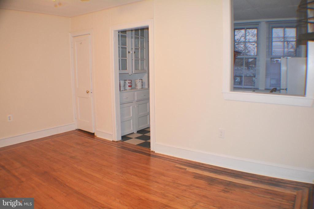 506 W COULTER STREET Unit: 4 photo