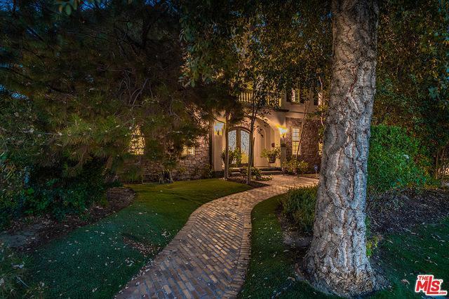 Best house in Valley Glenn!