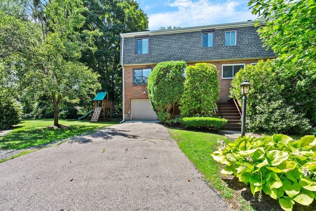 38 Broadlawn Dr - Unit: 38 photo