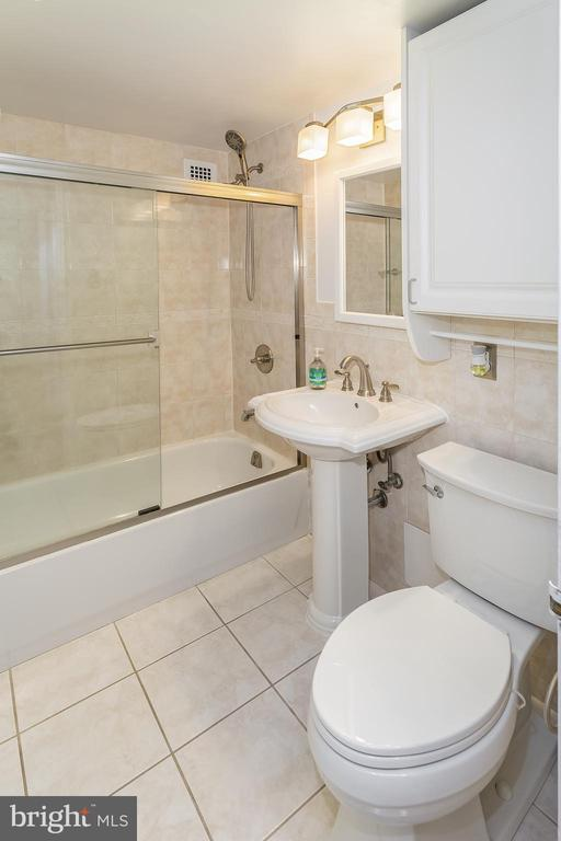 4740 CONNECTICUT AVE NW #414 photo