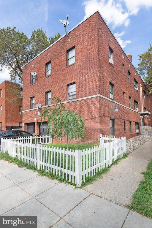 1631 6TH ST NW #4 photo