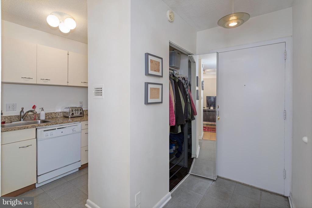 1800 R ST NW #604 photo
