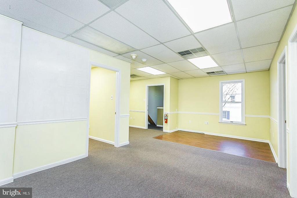 Prime Office/Retail Location in Doylestown Borough photo
