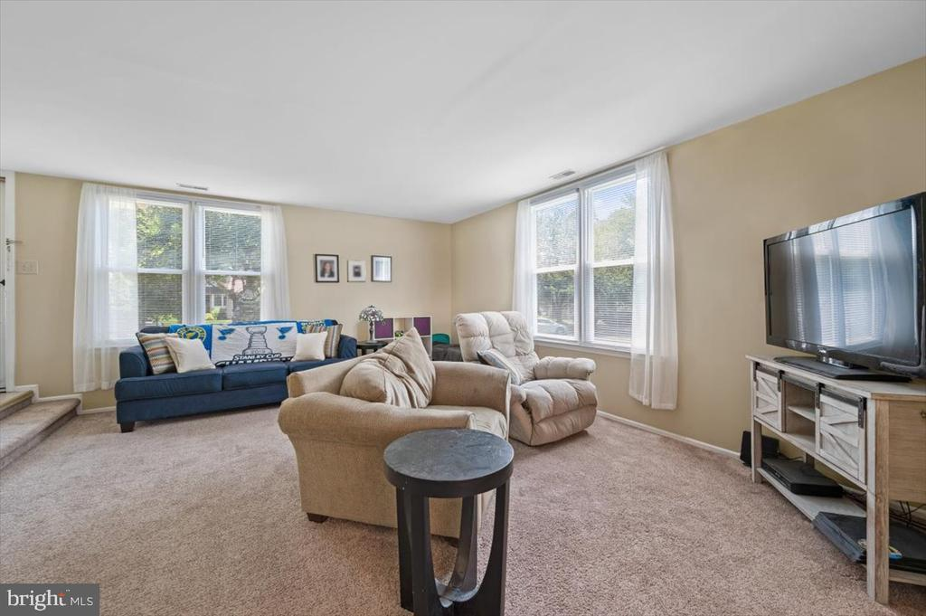 7 STACEY DR photo