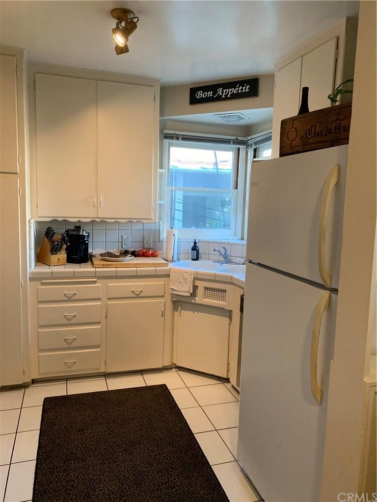 311 Marguerite Avenue Unit: D photo