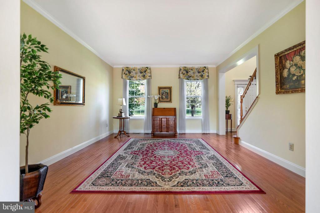 426 FOREST LN photo