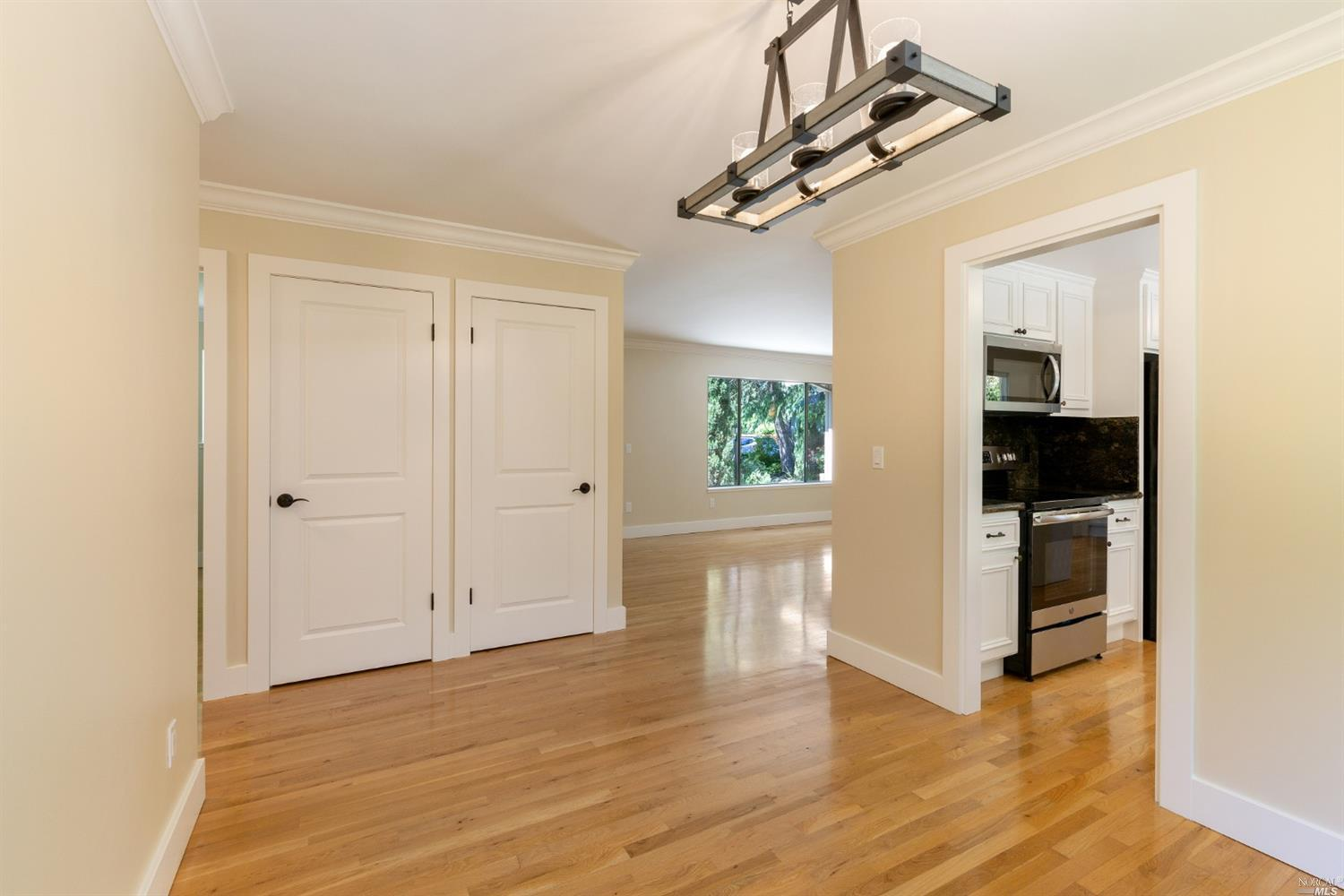 8853 Mission Dr preview