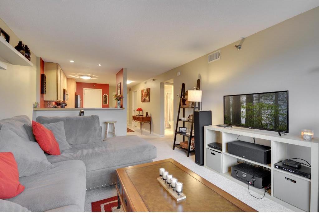 48 Groveland  Terrace, #B303 preview