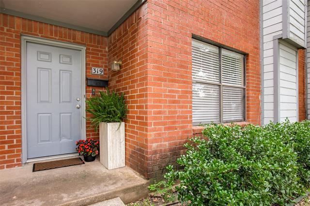 319 Towne House Lane photo