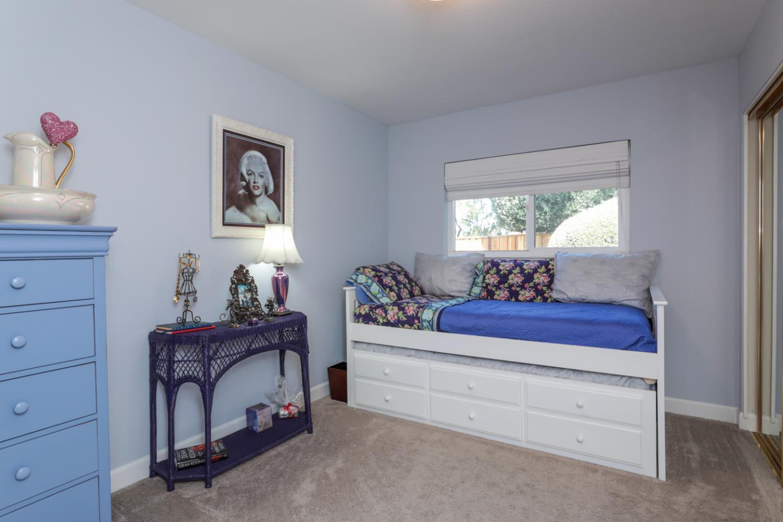 457 Cypress Park CT photo