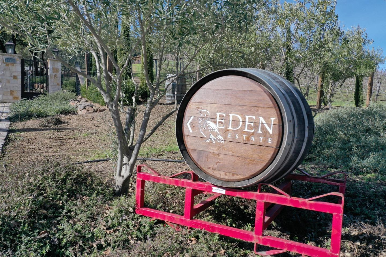 22100 Mount Eden RD photo