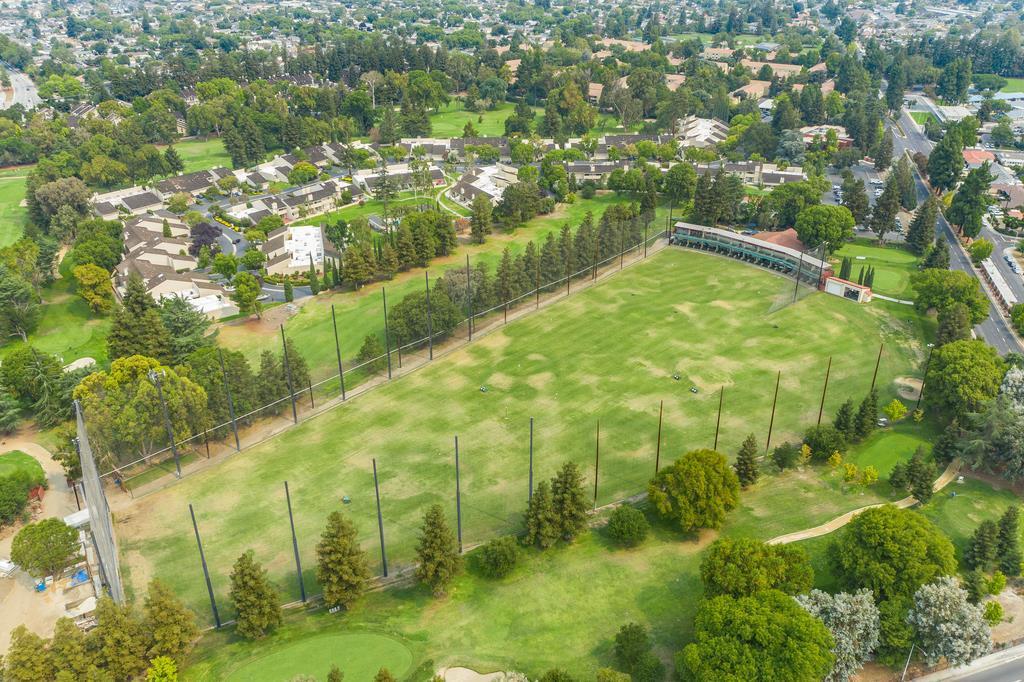 2494 Golf Links CIR photo