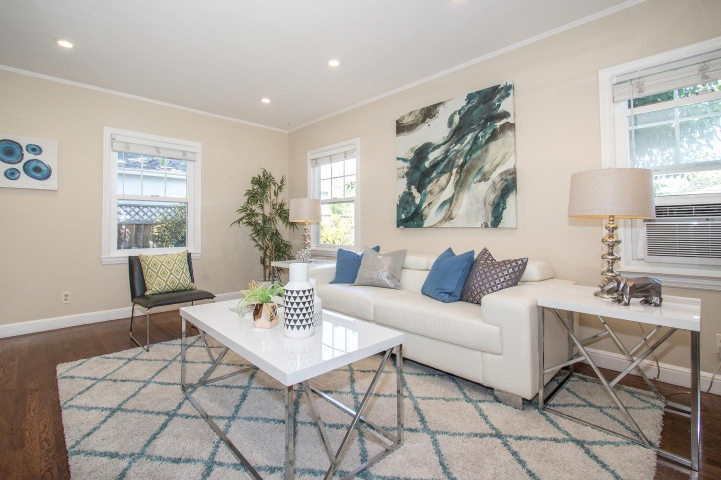 529 Hobart AVE preview