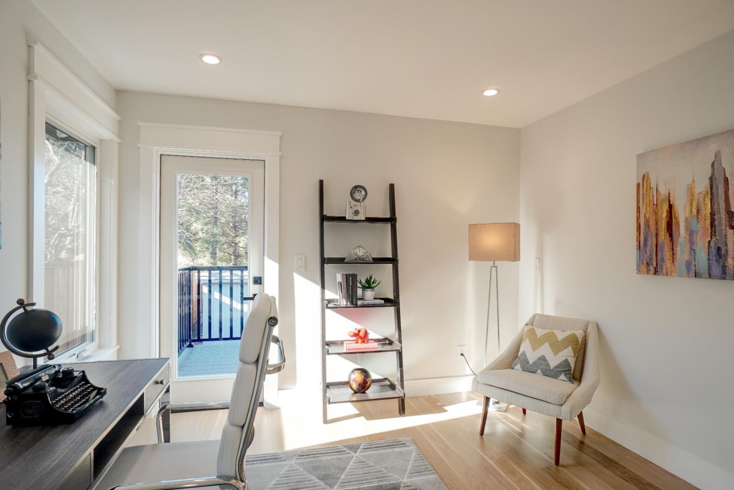 616 Hobart AVE preview