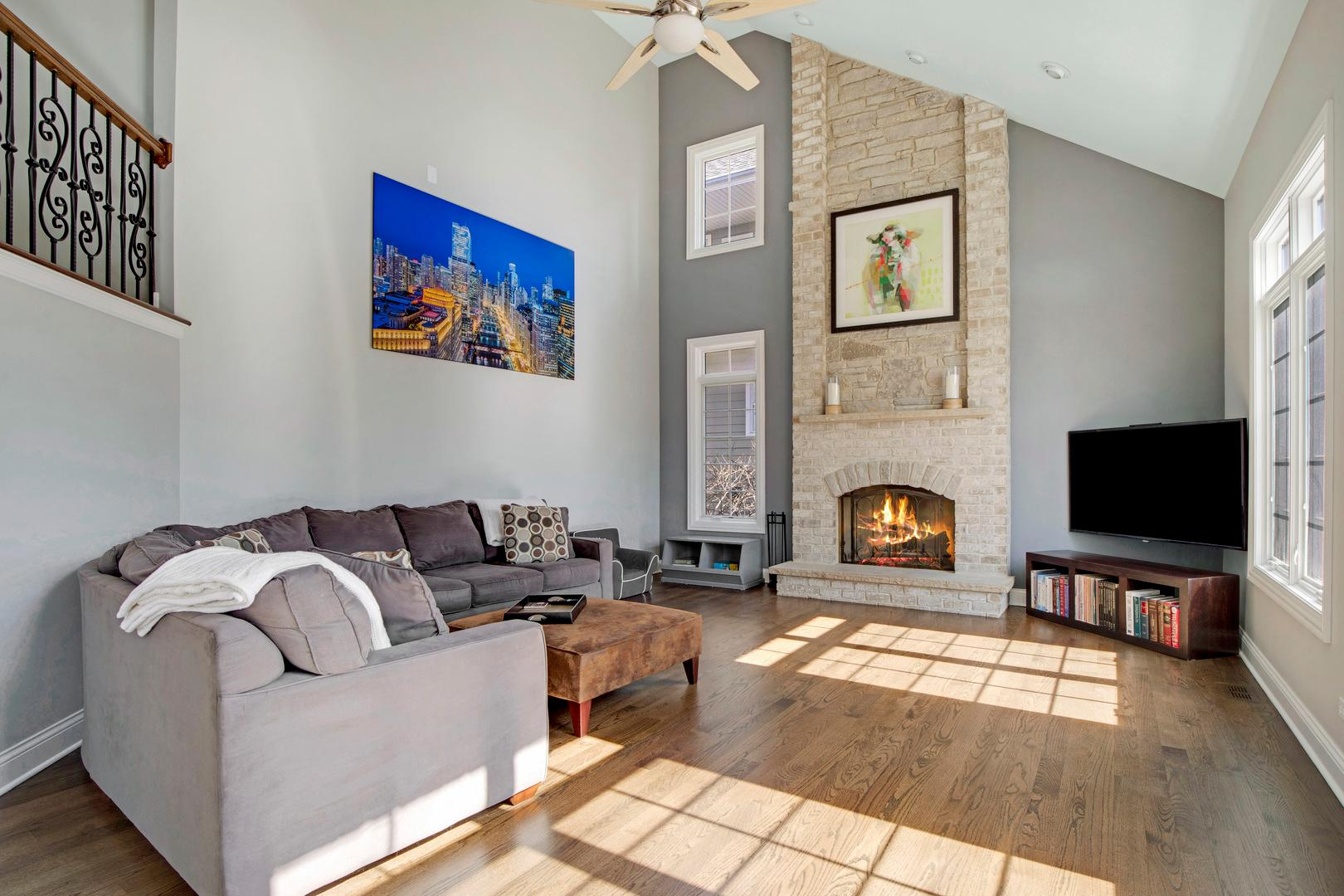 410 W 2nd  Street preview