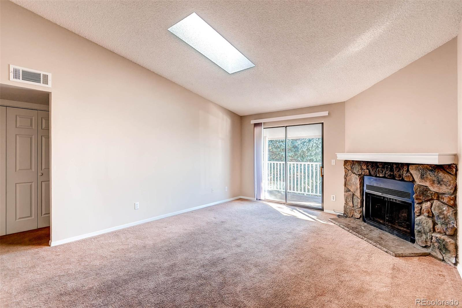 908 S Walden Way  206 preview