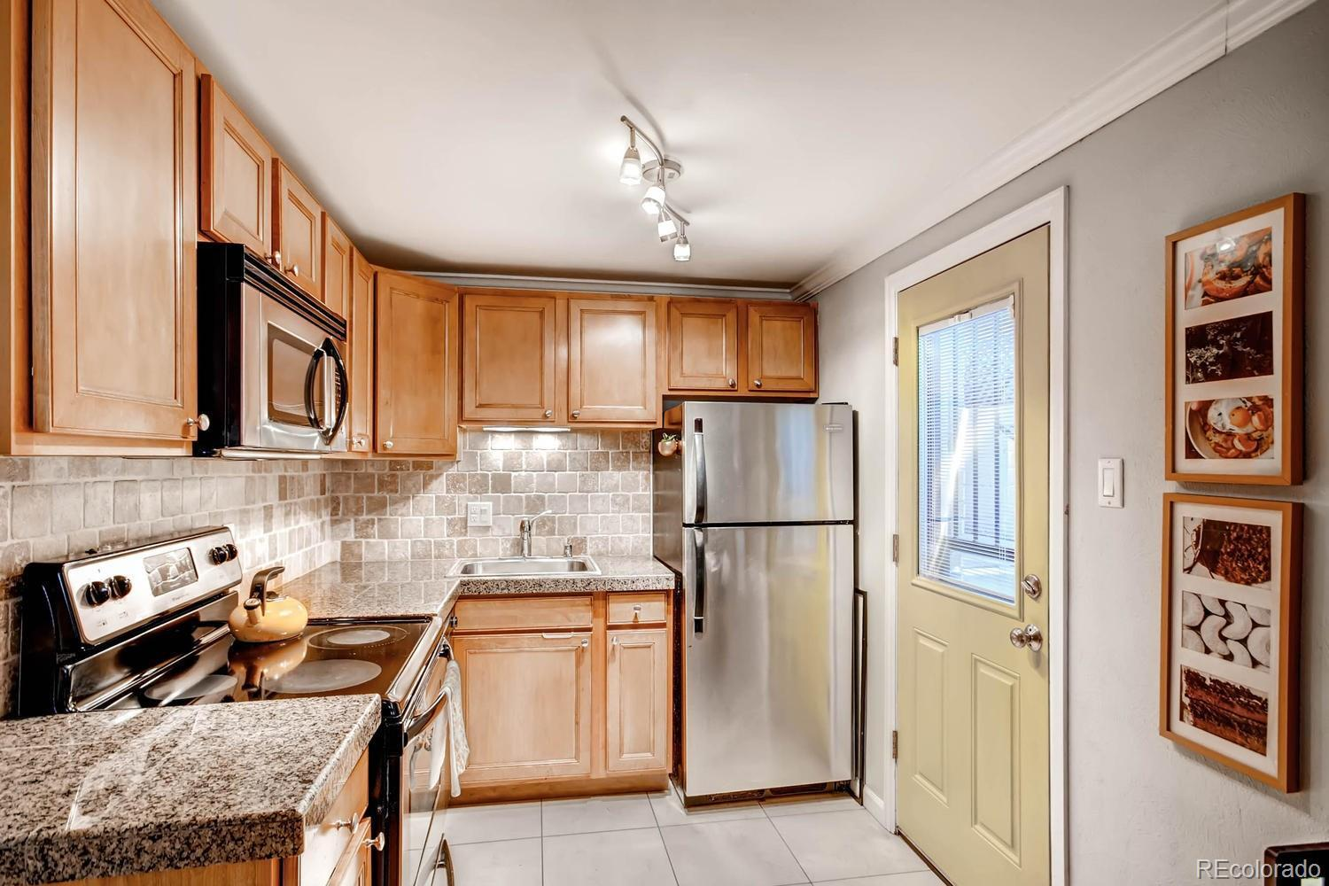 1327  Steele Street  103 preview