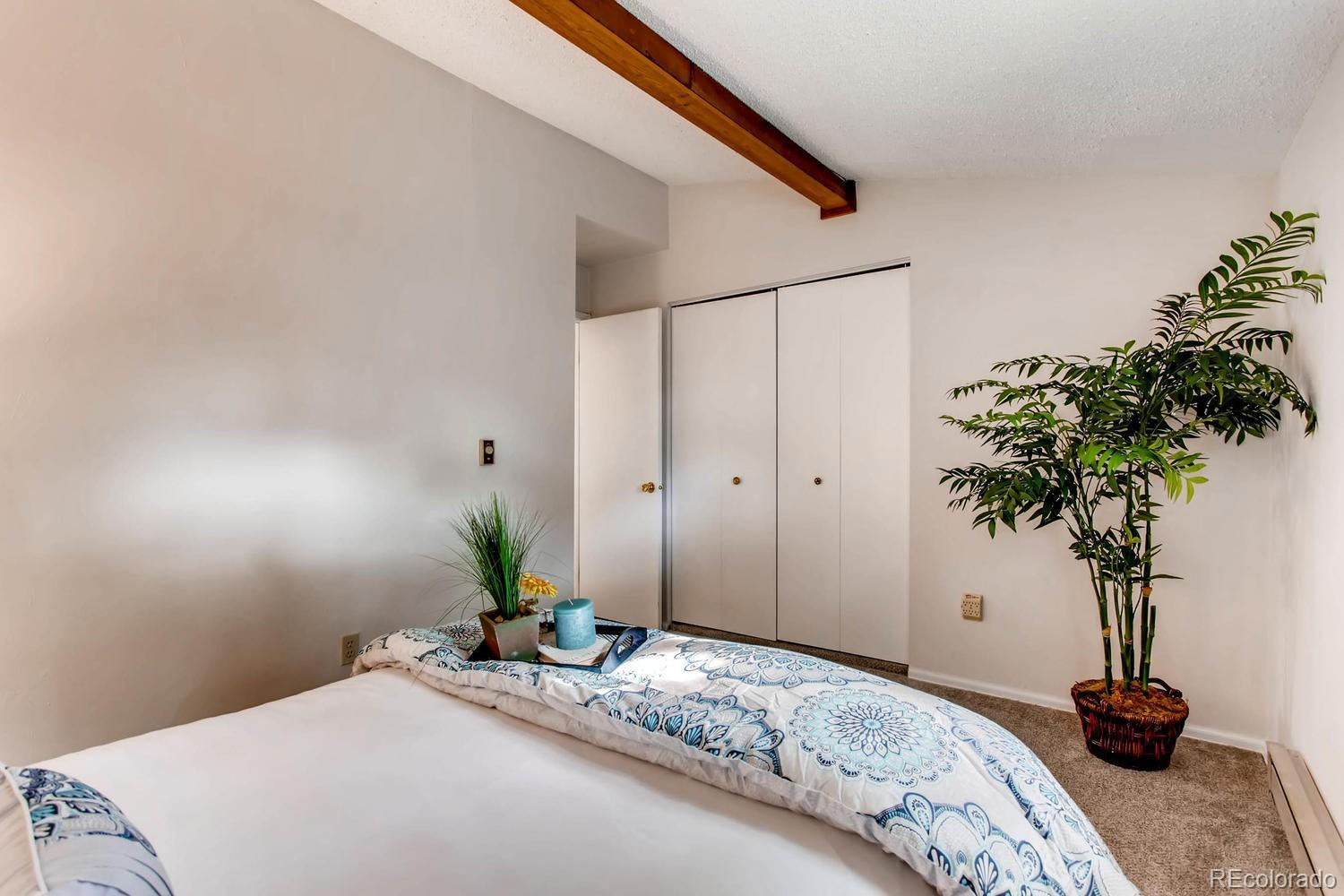 3233 S Pearl Street preview