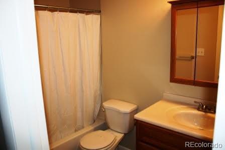5401 E Warren Avenue  209 photo