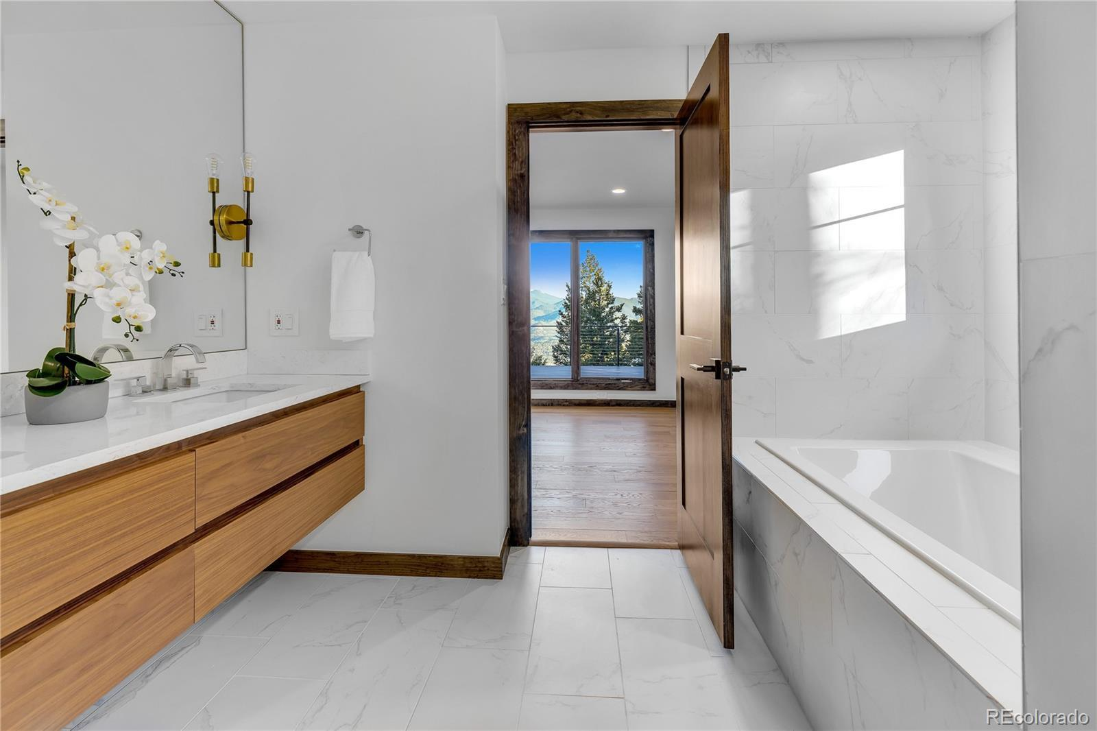4954  Grouse Court preview