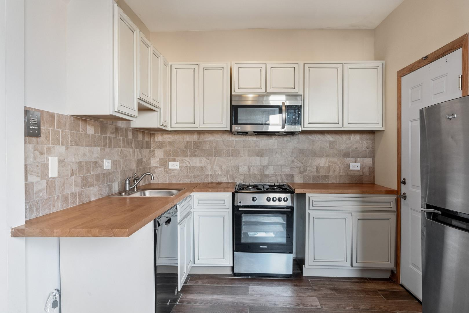 1316 W 18th  Street, Unit 3M preview