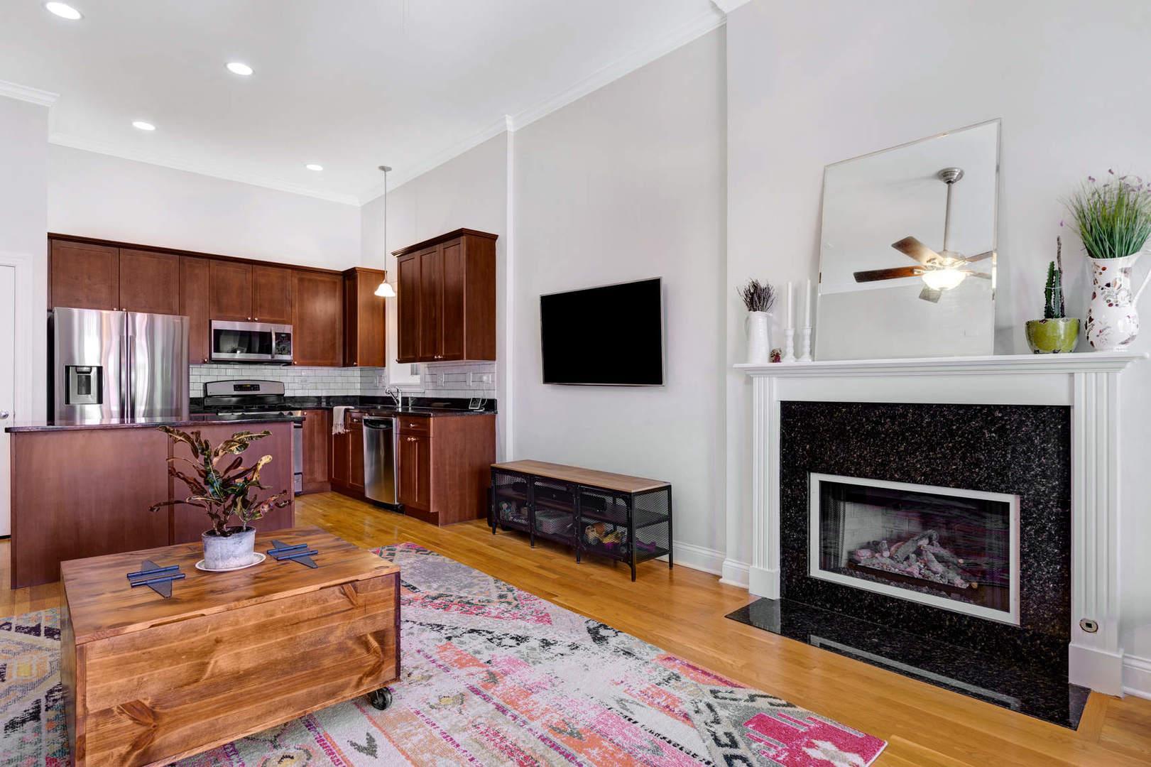 2461 W FOSTER  Avenue, Unit 3W preview