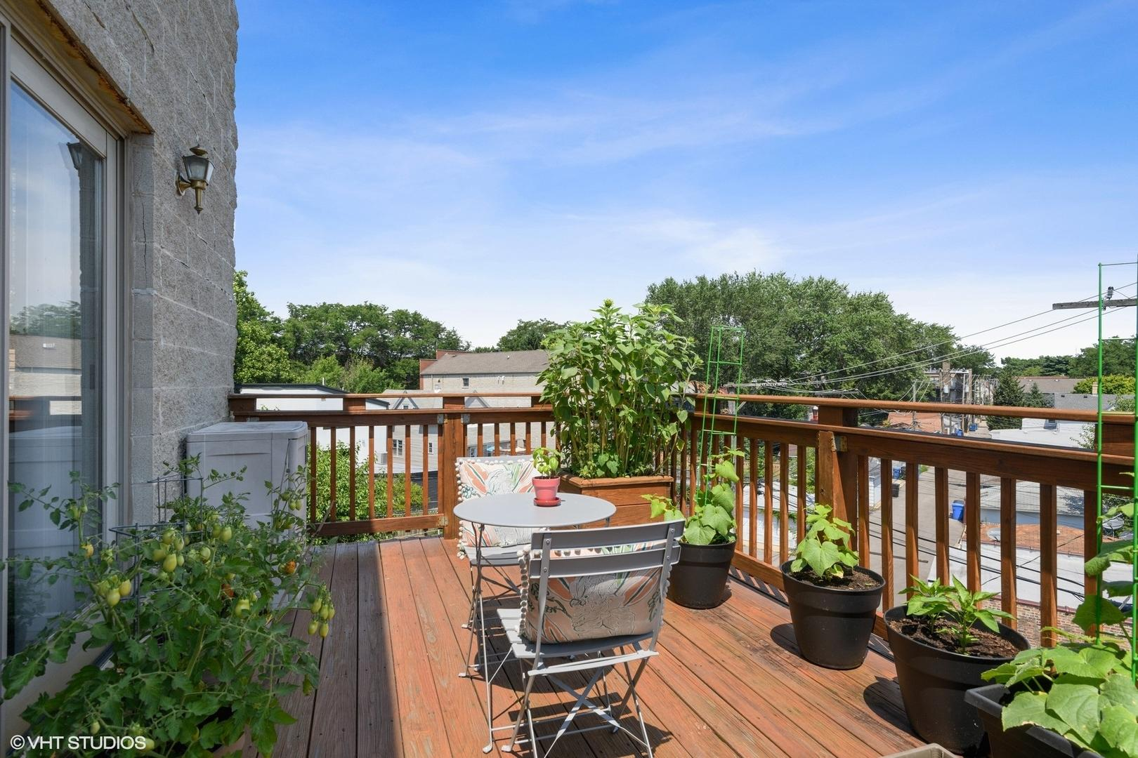 6025 N Ridge  Avenue, Unit 3W preview