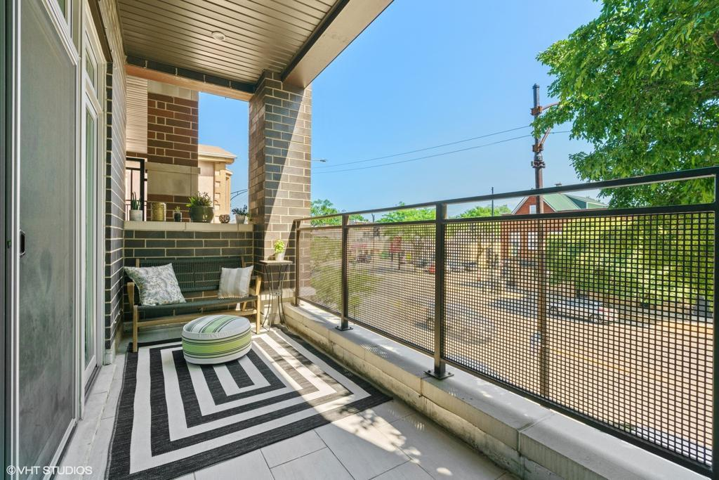2618 W Fullerton Avenue # 2C preview