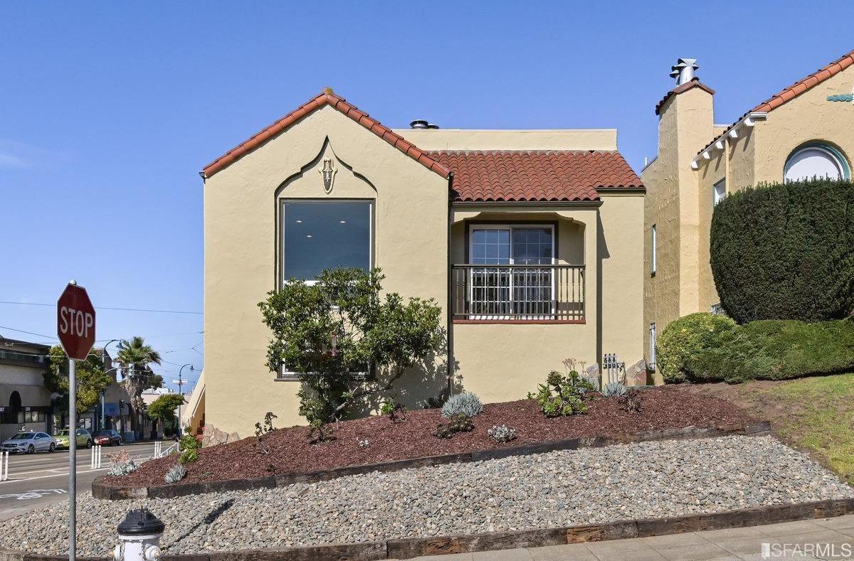 398 Santa Ana Avenue photo