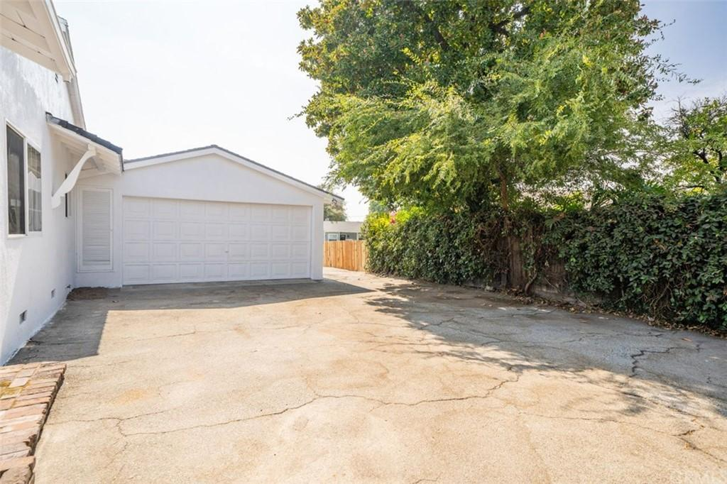 853 E Comstock Avenue photo