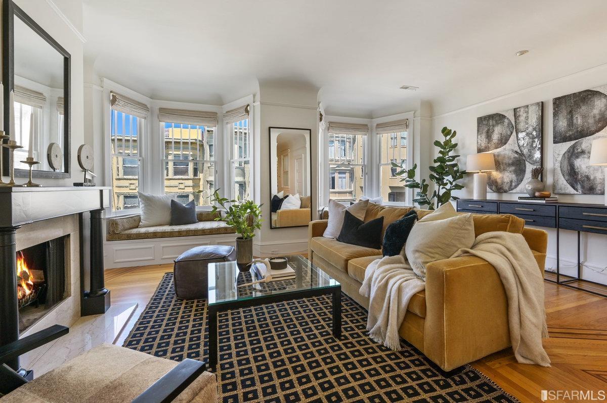 543 Lombard Street photo