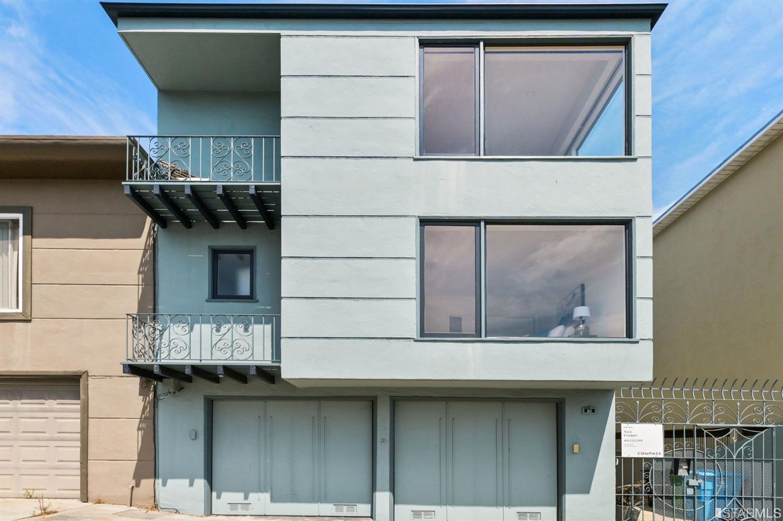 32 Terra Vista Avenue Unit: 2 photo