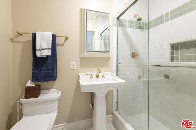 4263 Forman Ave preview